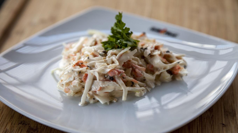 Der amerikanische Krautsalat Coleslaw