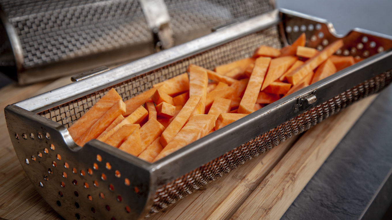 Süßkartoffel-Pommes-Drehspießkorb