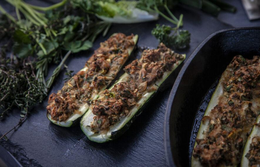 Gegrillte Zucchinischiffchen, Zucchini grillen