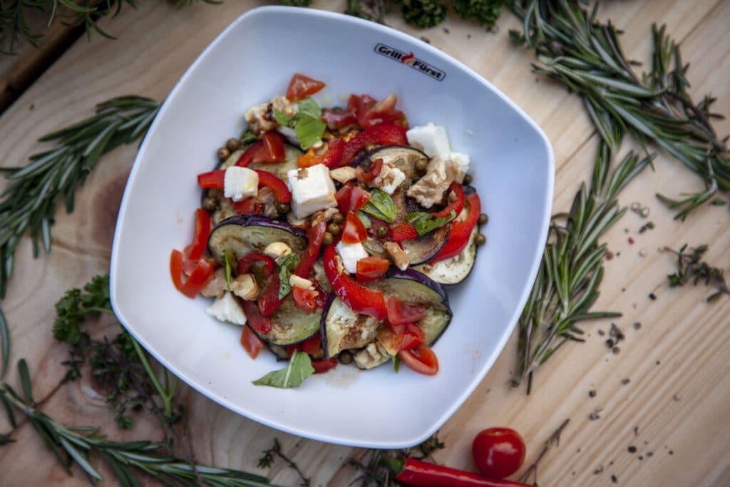 Der beste Gemüsesalat mit Nusskernen