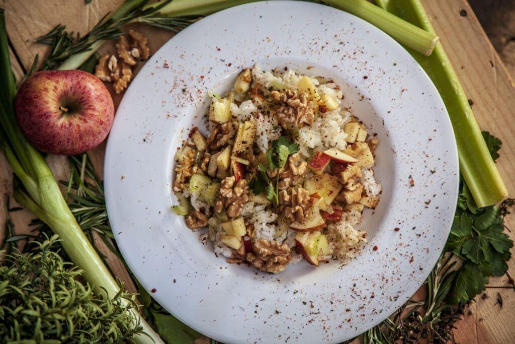 Italienischer Reissalat als Grillbeilage