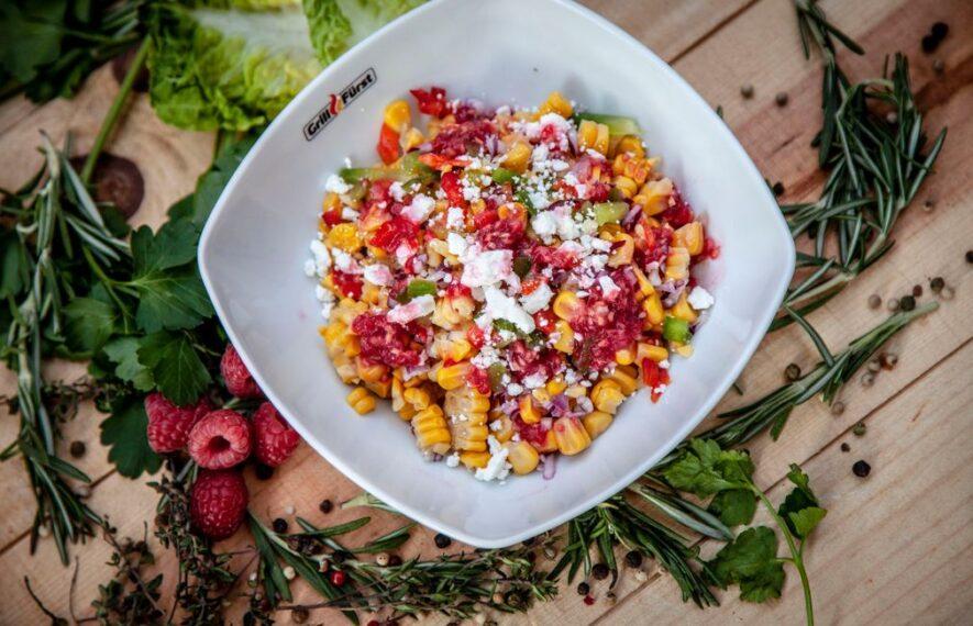 Paprika Mais Salat mit Himbeer Dressing
