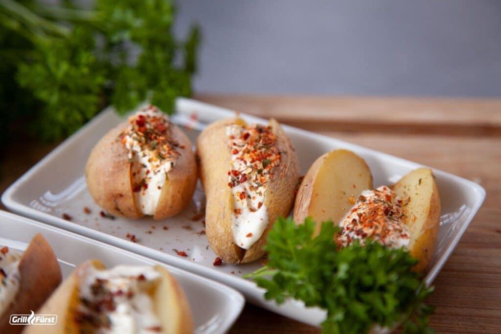 Gegrillte Kartoffeln mit Sour Cream