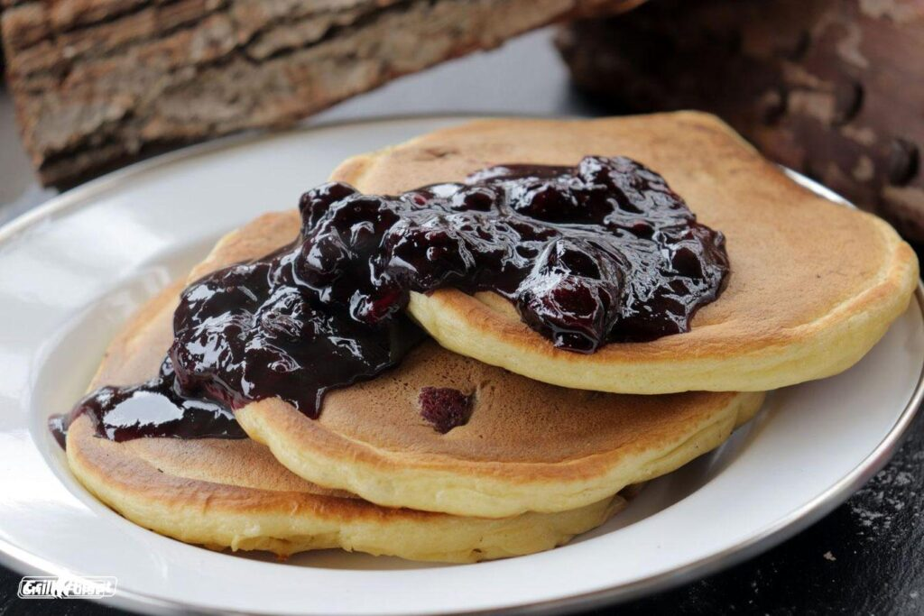 leckere Blueberry Pancakes vom Grill