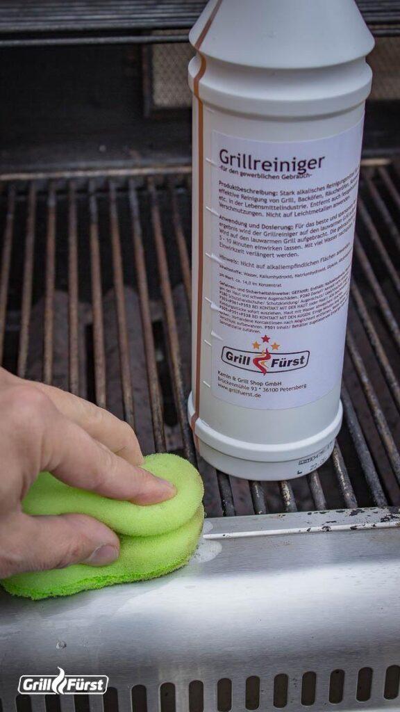 Der Grillfürst Grillreiniger eignet sich perfekt zur Reinigung von Edelstahlrosten.