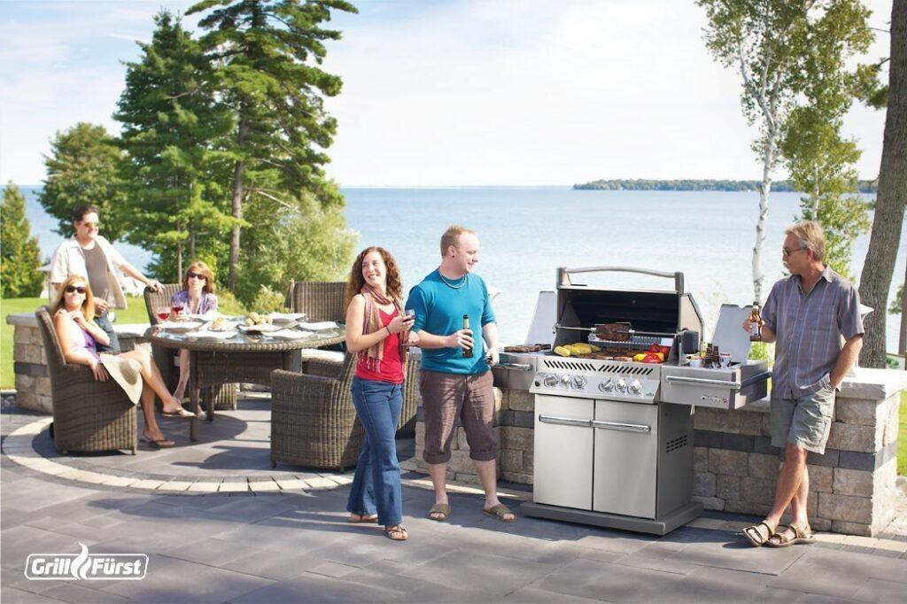 Beim American BBQ kommen Freunde und Familie zusammen.