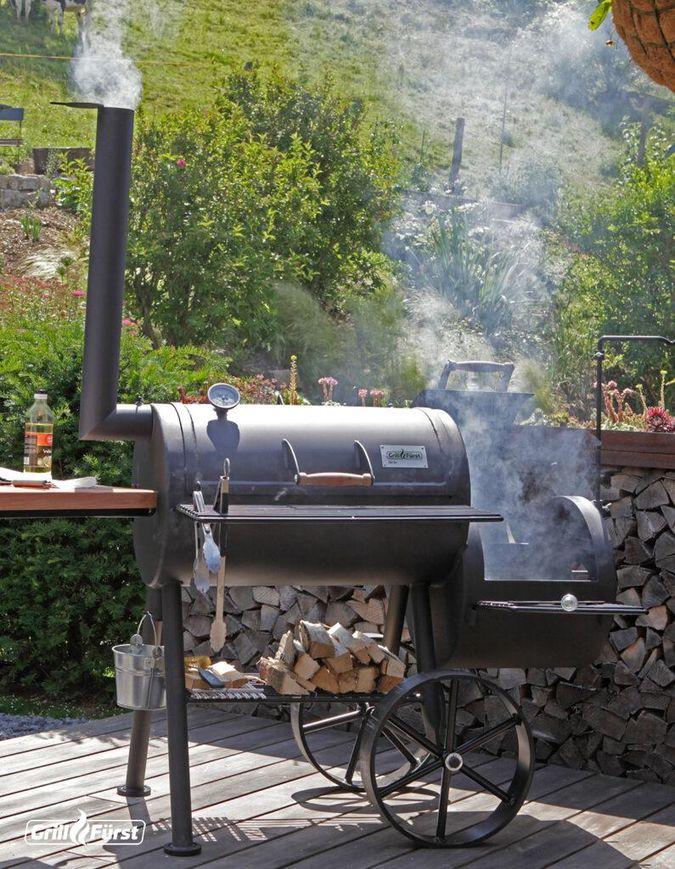 Das Fleisch wird beim Smoken mit Raucharoma geräuchert.
