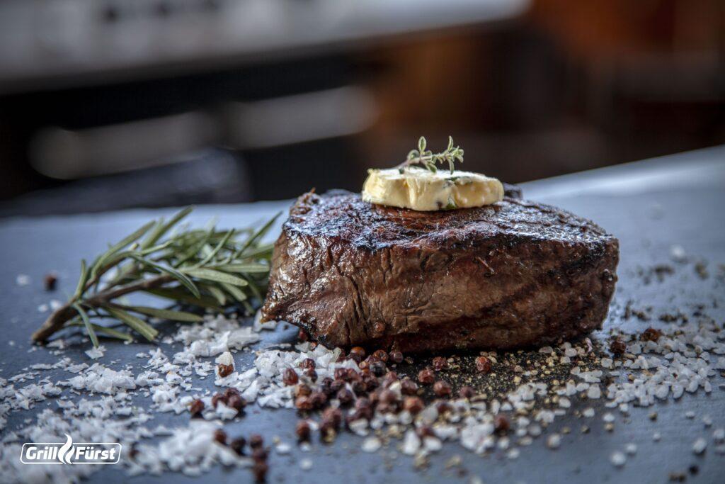 Benutze für dein Steak grobkörniges Meersalz, um den perfekten Crunch und Geschmack zu erhalten.