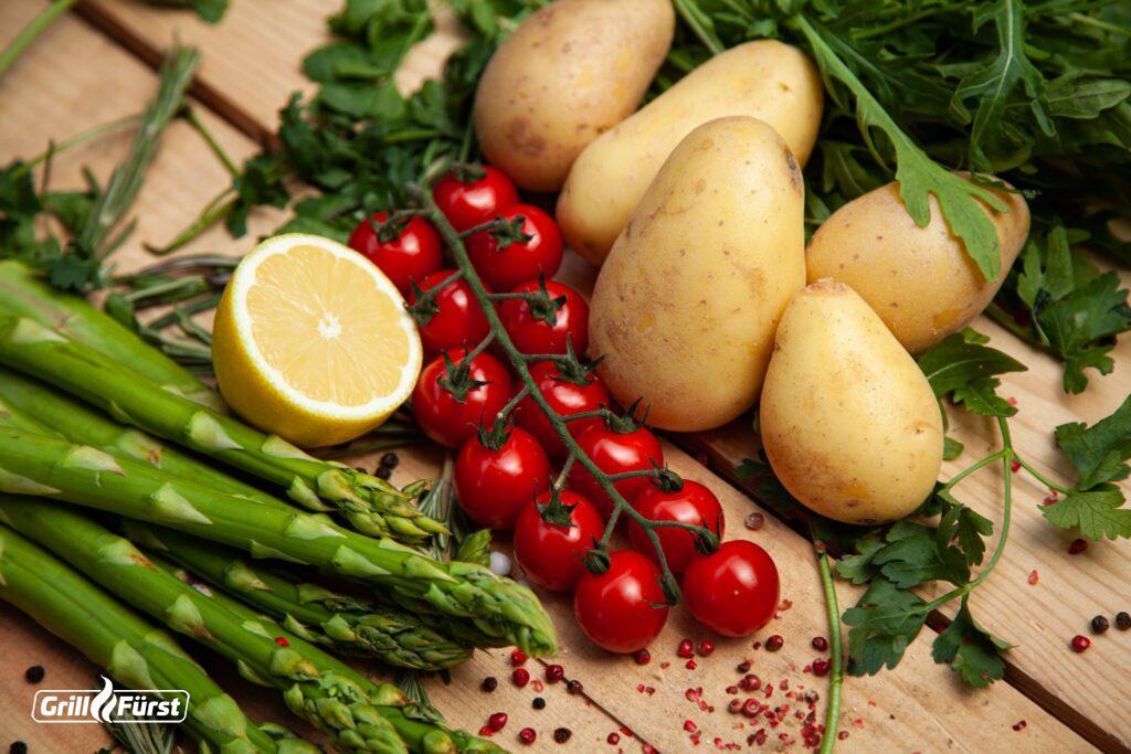 Für einen perfekten Kartoffelsalat, eignen sich festkochende Kartoffeln am besten.