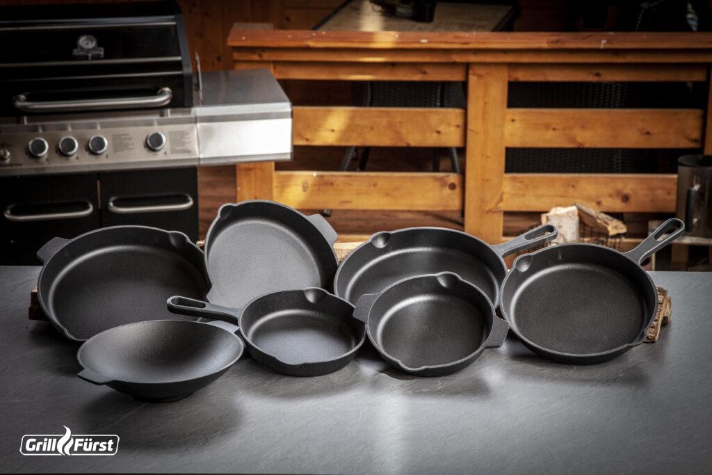 Die neuen Pfannen von Grillfürst sind mit einem Durchmesser von 25 cm, 30 cm oder 35 cm erhältlich.