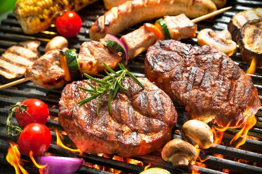 leckeres Fleisch und Gemüse bei richtiger Temperatur direkt gegrillt