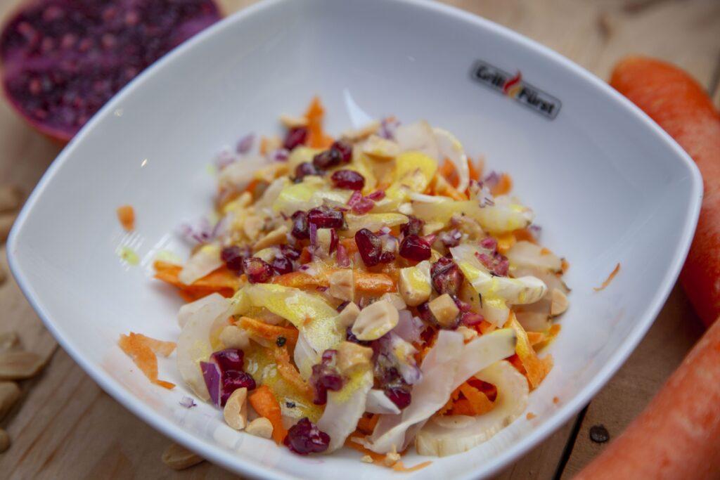 Salat aus Orange und Fenchel lässt sich ein erfrischender Salat als Beilage zubereiten.