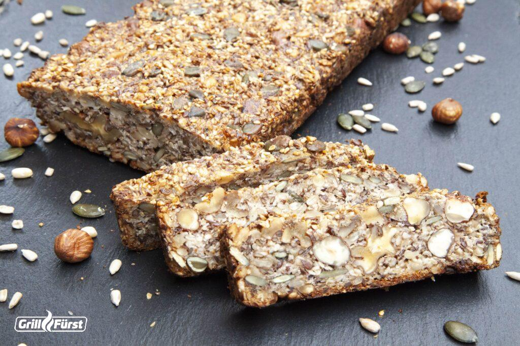 Low-Carb-Brot mit Nüssen