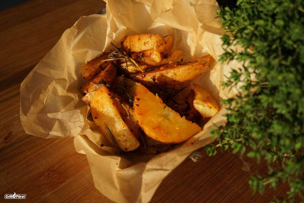 Kartoffelspalten vom Grill