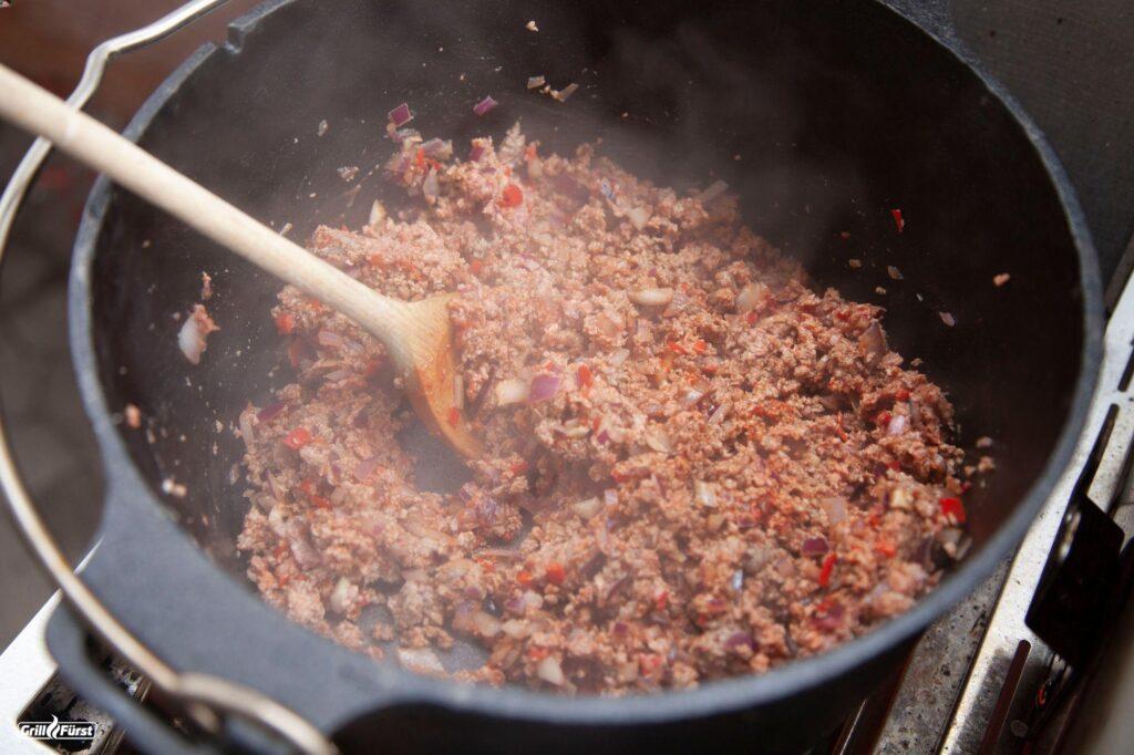 Hackfleisch für Chili con Carne anbraten