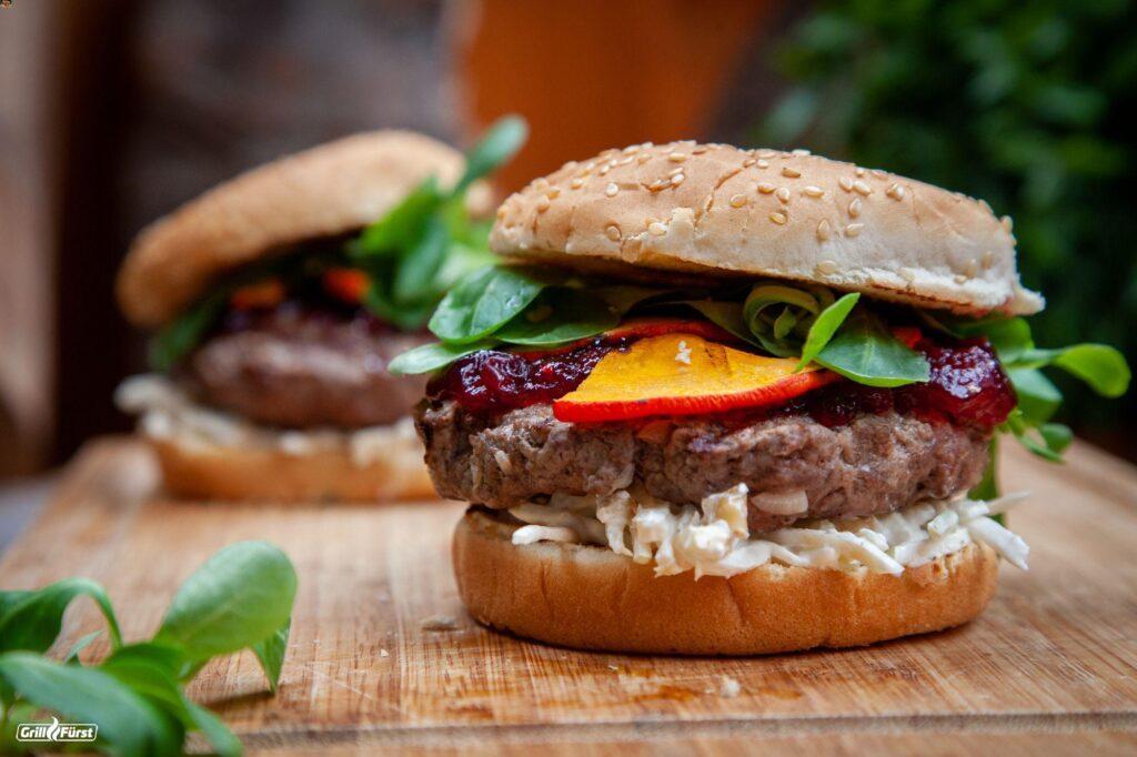 Burger mit Hokkaido und Feldsalat
