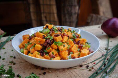 Paleo Kartoffelsalat mit Speck und frischen Kräutern