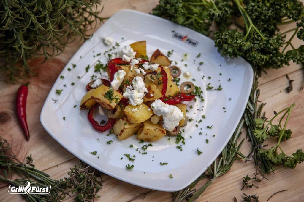 Röstkartoffelsalat aus gerösteten Kartoffeln