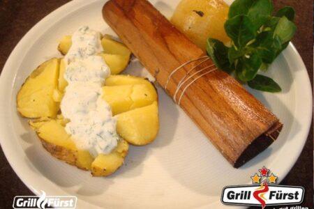 Holzwraps mit Lachs und Kartoffeln