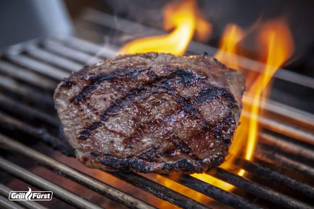 Steak zubereitet am Grill