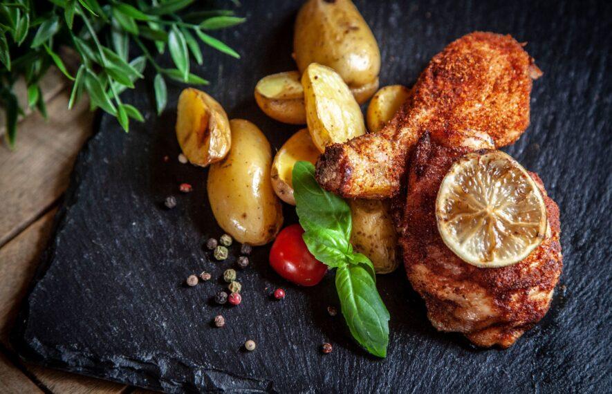 Hähnchenschenkel mit Kartoffeln