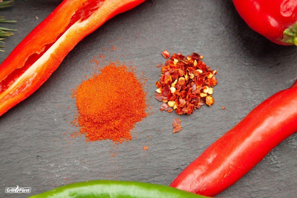 Paprikapulver und Chiliflocken