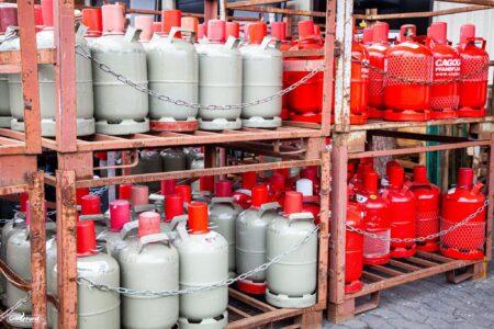 Verschiedene Gasflaschen, Umgang mit Gas
