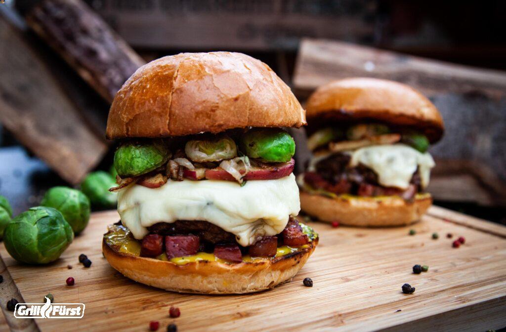 Winterburger mit Rosenkohl und Käse