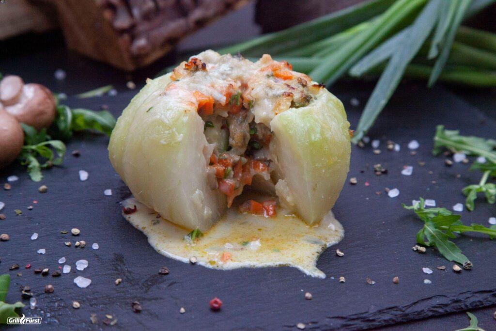 Gefüllter Kohlrabi mit Gemüse und Gorgonzola