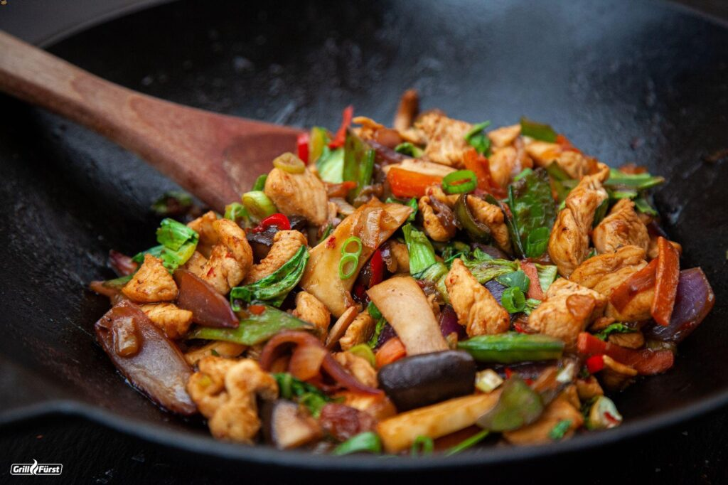 Gemüse Wok mit Hähnchen und Pak Choi