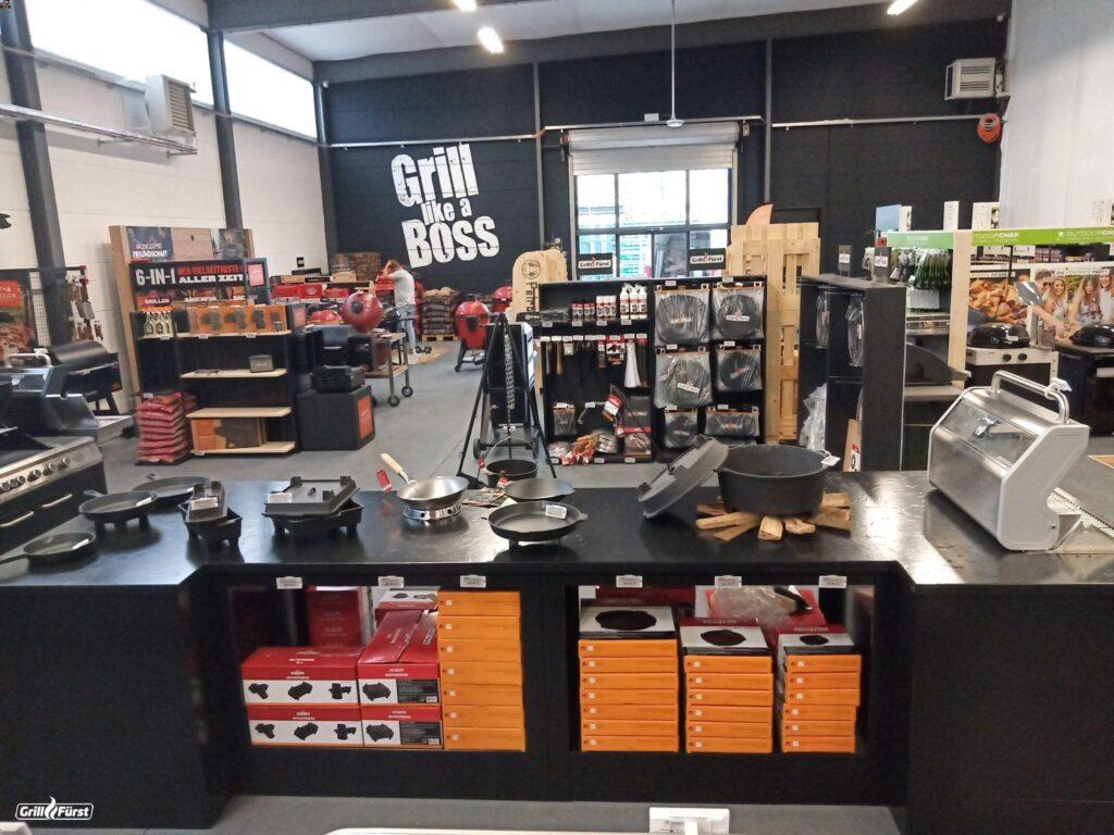 Blick in Verkaufsraum Grillfürst München