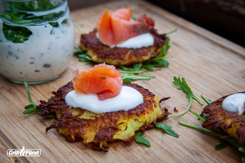 Kartoffelpuffer mit Lachs und Cremee