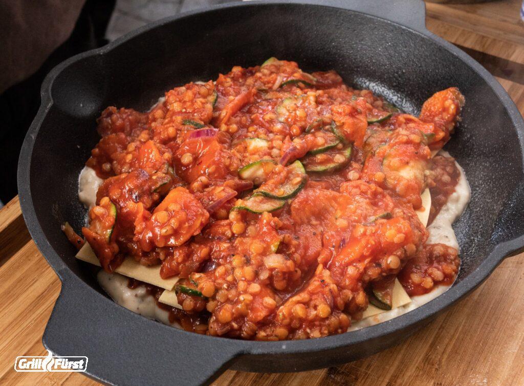 Lasagne schichten in Pfanne