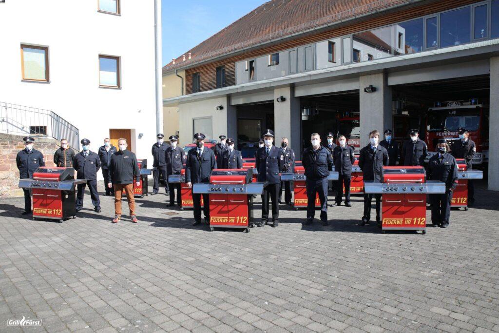 Feuerwehrgrills mit Kameraden FFW Eichenzell