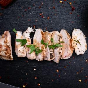 Hähnchenbrust in Dattelsirup mit Sojasauce
