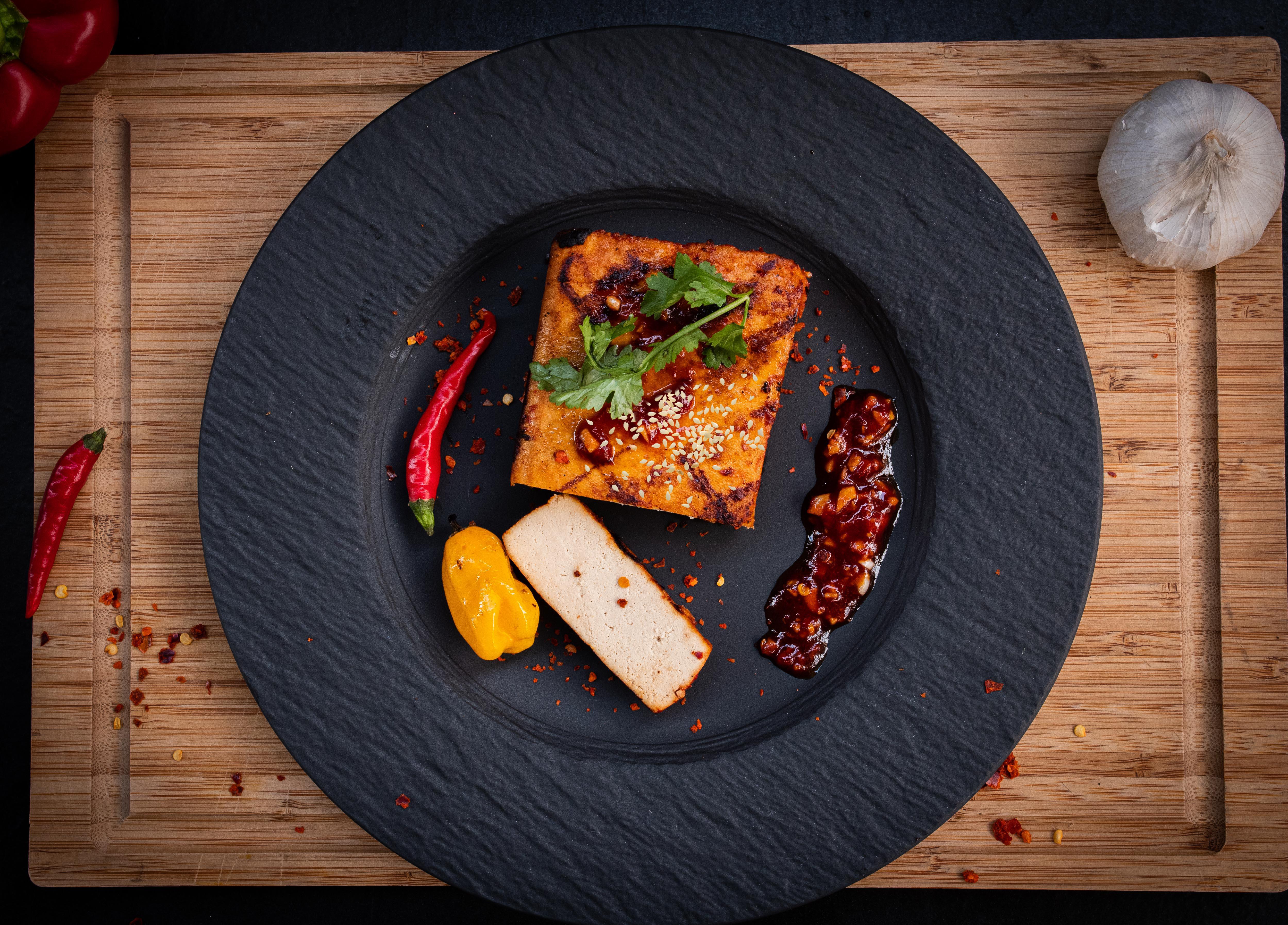 Tofu steak mit Sesam grillen
