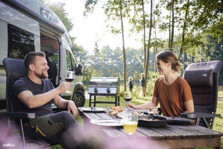 Auf dem Campingplatz grillen