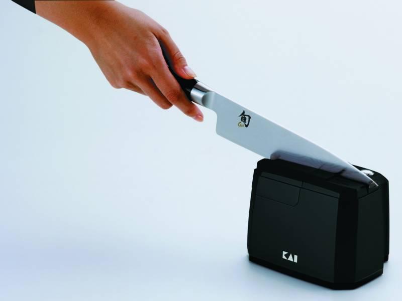 KAI elektrischer Messerschärfer AP-118
