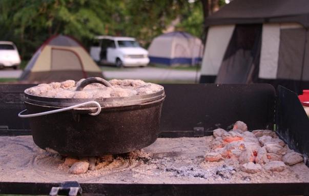 """Camp Chef 12"""" Classic Dutch Oven"""