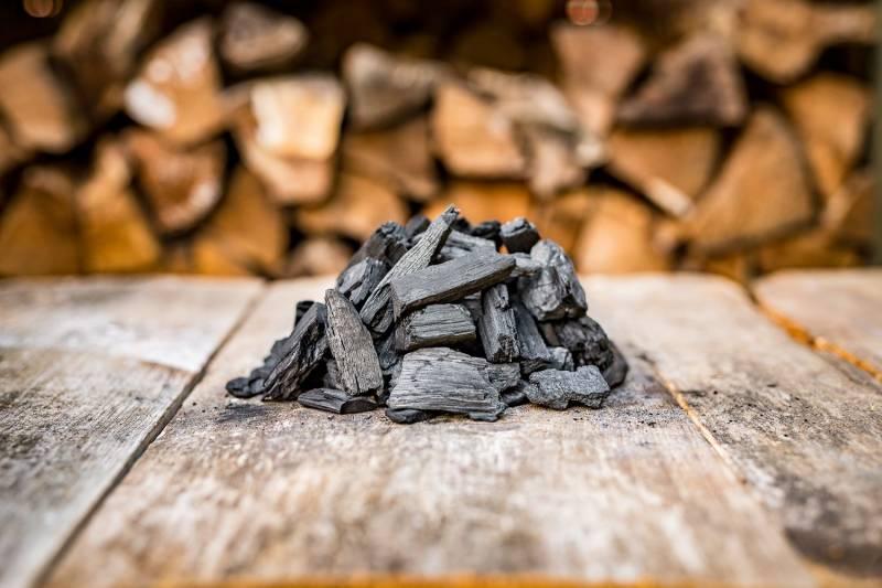 Männerglut Premium Holzkohle - Hochwertiger Hartholz Mix - 80% Buche - aus der Retorte 30KG