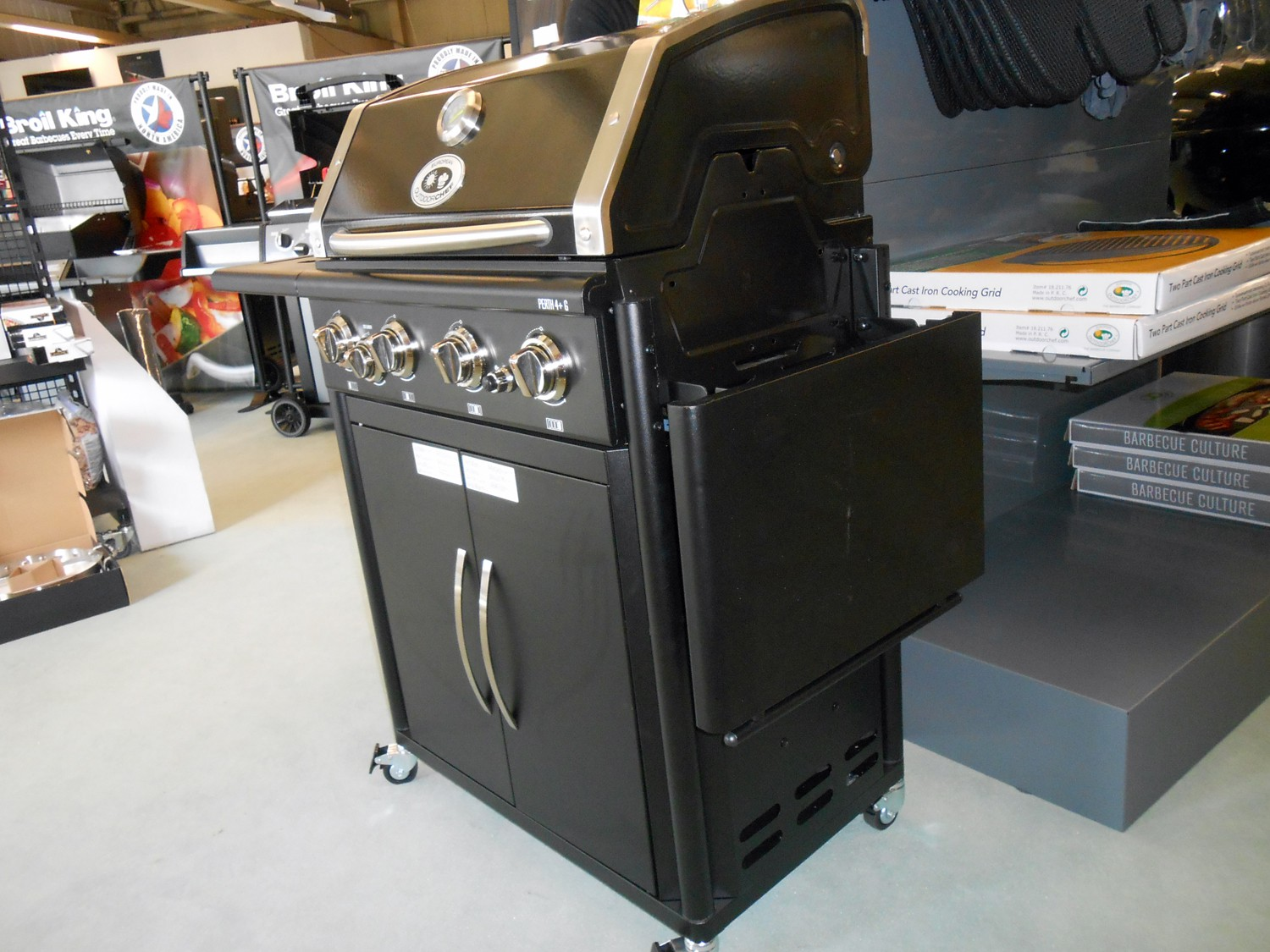 outdoorchef gasgrill perth kleinster mobiler gasgrill. Black Bedroom Furniture Sets. Home Design Ideas