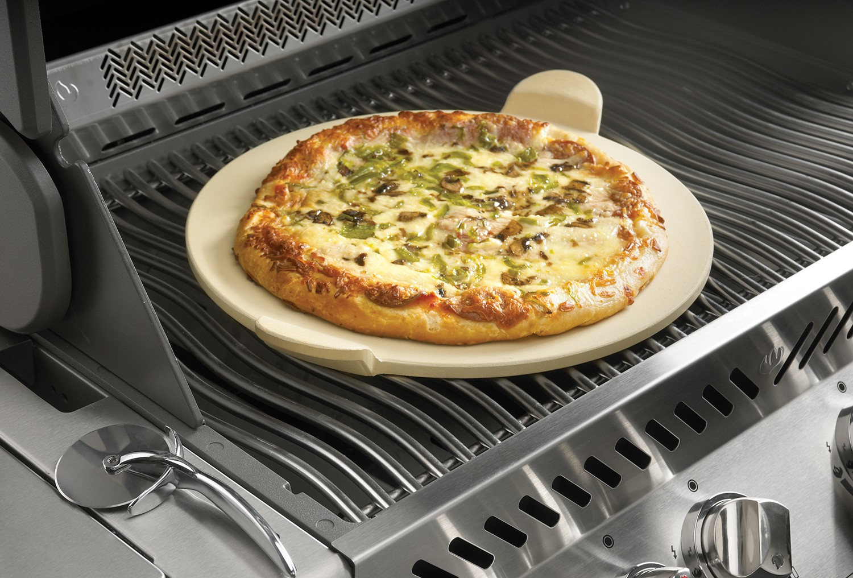 Pizzastein Für Gasgrill Outdoorchef : Napoleon pizzastein mit pizzaschneider