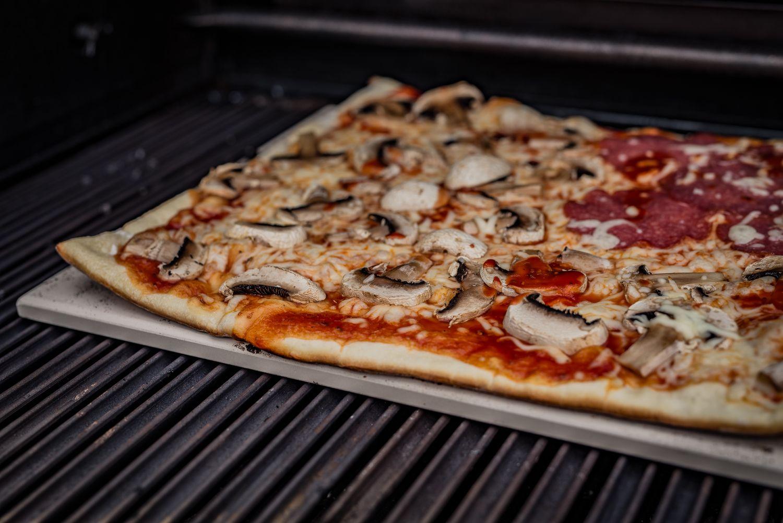 Weber Elektrogrill Pizza : Grillfürst pizzastein eckig cm mit pizzablech