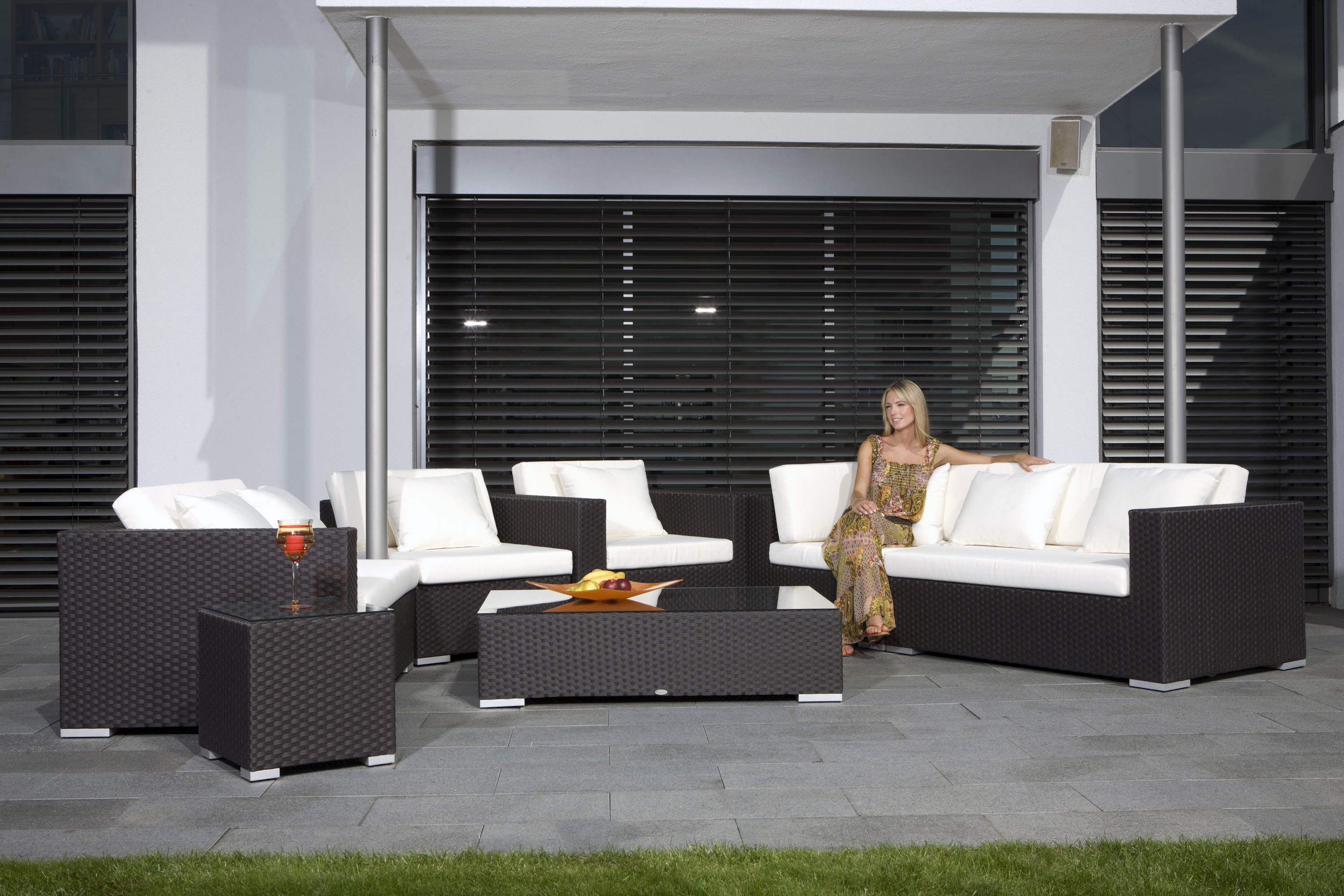 rattan gartenm bel gebraucht neuesten. Black Bedroom Furniture Sets. Home Design Ideas